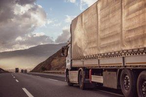 Kamión na ceste